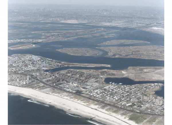 Arverne: Housing on the Edge